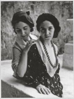 Giuseppina and Albina Coroneo, sardinian artists, 1920