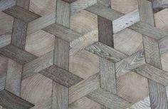 Pisos de madeira são práticos, sólidos e com todo aquele ar tradicional. E por mais que aquele padrão tradicional da madeira enfileirada horizontal ou verticalmente venha instantâneo na sua cabeça na hora que pensa nisso, há muito mais nessa toca de coelho do que isso. A versão mais prática e barata, sem dúvida alguma, é pegar …