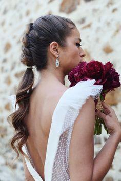 Wedding hairstyle - Las Bodas de Tatín. #recogido #semirecogido #sencillos #trenzas #coleta #peinadonovia #peinadoinvitada #peinadobohemio #bride #weddingphotography #wedding #bodas Cute Hairstyles Updos, Short Bob Hairstyles, Formal Hairstyles, Wedding Hairstyles, Aesthetic Center, Bridal Hair, Hair Wedding, Bridesmaid Hair, Hair Dos