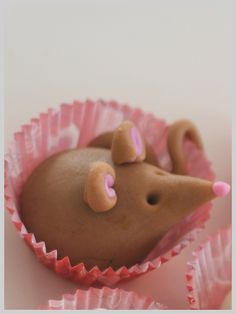 Adorable Marzipan Mice! Site has translate button.