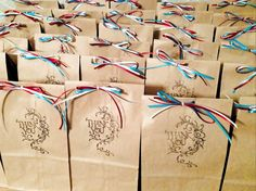Thank You bags and cards for Veterans - such a thoughtful idea!Hugs and Kisses inside Veterans Day Activities, Veterans Day Gifts, Thank You Veteran, American Heritage Girls, Daisy Girl Scouts, Operation Christmas, Patriotic Crafts, Employee Engagement, Appreciation Gifts