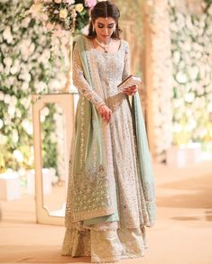 pakistani dresses Thankyou buntokazmi_official for not only creating magic with your timeless craft but also major major appreciation for putting up with Pakistani Wedding Outfits, Pakistani Bridal Dresses, Pakistani Dress Design, Pakistani Wedding Dresses, Walima Dress, Pakistani Gharara, Bridal Anarkali Suits, Pakistani Party Wear, Indian Salwar Kameez