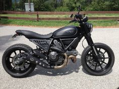 Discover just a few of my favourite builds - unique scrambler bikes like Triumph Scrambler, Ducati Scrambler Custom, Scrambler Icon, Ducati Motorcycles, Cafe Racer Motorcycle, Ducati Icon, Moto Ducati, Ducati Cafe Racer, Moto Bike