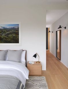 Minimalist Home Interior in Toronto by Jova Management. Minimalist Bathroom Interior by Jova Minimalist Home Interior, Minimalist Bedroom, White Oak Floors, White Walls, Interior Styling, Interior Decorating, Interior Design, Oak Bedroom, Master Bedroom