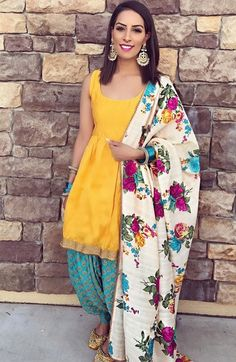 Amazing and cute made for the special day Punjabi Fashion, Bollywood Fashion, Indian Fashion, Punjabi Salwar Suits, Salwar Kameez, Indian Suits Punjabi, Pakistani, Indian Attire, Indian Wear