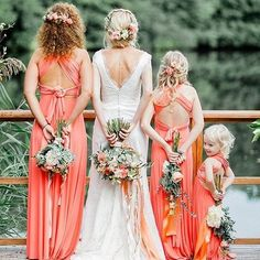 Seriously adorable bridesmaids and a tiny little flower girl. Swiped from @friedatheres Photo by @anja_schneemann_photography Gown: @victoriaruesche Bride :@milles_fleurs_ H&M: @riasaage Eventdesign: @pompomyourlife • • • • #wedding #weddings #weddinginspiratio