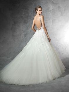 PRALA - Princess wedding dress in tulle with gemstone details.