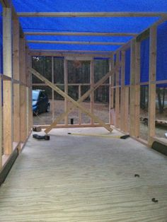 Framing is a really exciting time in your building process. A simple guide on how to frame your tiny house the right way, including advanced framing. Small Tiny House, Modern Tiny House, Tiny Tiny, Tiny House Cabin, Prefab Home Kits, Prefab Homes, Tiny Homes, Tiny House Trailer Plans, Tiny House Plans