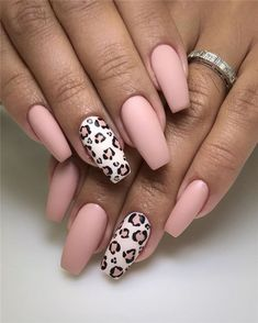Matte nail ideas stylish, unusual and eye catching, here, 70 matte nail trends . From dark to ombre, French Manicure Gel Nails, Gel Nails At Home, Aycrlic Nails, Matte Nails, Love Nails, How To Do Nails, Pretty Nails, Hair And Nails, Coffin Nails