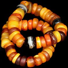 Real Yemen Amber & Iranian Agate   http://www.ancient-beadart.com/descriptions.php?id=oamb11