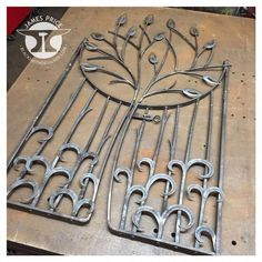 """Acquire excellent pointers on """"metal tree wall art decor"""". They are available for you on our website. Metal Garden Gates, Metal Gates, Wrought Iron Gates, Metal Projects, Welding Projects, Diy Welding, Art Projects, Welding Gear, Blacksmith Projects"""