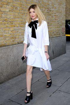 🎤 Nicola Roberts Nicola Roberts, Black Bun, Vogue Mexico, Catwalk, White Dress, Street Style, London, September, Collections