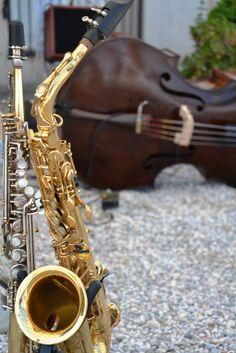 live gipsy jazz music # best wedding destination italy # www.cabiancadellabbadessa.it