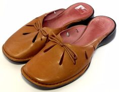 INDIGO by CLARKS Women's Shoes ~ Brown Leather Casual Mule Flats  ~ US 10 M #IndigobyClarks #Mules