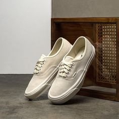 Vans Vault Authentic LX Vans Slip On, Rubber Shoes, Vaulting, Suede Leather, Abs, Orange, Antiques, Heels, Metal
