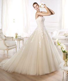 A Line Sweetheart  Court Train Champagne Organza Wedding Dress LD2977