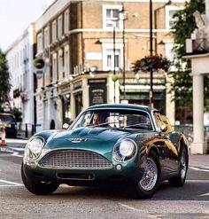 Starting Friday in style in an Aston Martin Zagato. via Starting Friday in style in an Aston Martin Zagato. Aston Martin Cars, Aston Martin Vanquish, Aston Martin Rapide, Aston Martin Vantage, Classic Aston Martin, Auto Retro, Retro Cars, Vintage Cars, Maserati