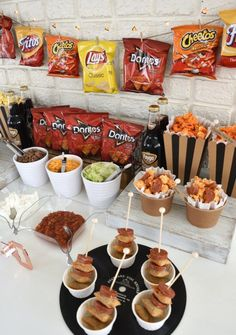 a walking taco bar for your next celebration! Create a walking taco bar for your next celebration!Create a walking taco bar for your next celebration! Party Food Bars, Party Food Buffet, Snacks Für Party, Taco Bar Buffet, Nacho Bar, Teen Party Foods, Mini Party Foods, Party Drinks, Party Stuff