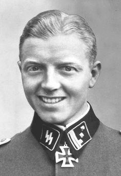 "✠ Fritz Klingenberg (17 December 1912 - 23 March 1945) RK 14.05.1941 SS-Hauptsturmführer Chef 2./SS-KradSchtz.Btl der SS-Div ""Reich"" Killed by a tank shell during a firefight with US armored forces."