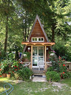 Cute A frame Cabin. Bavaria Germany / The Green Life <3