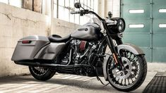 2017 Harley-Davidson Road King & Road King Special #& #2017 #Harley-Davidson #Road King #special