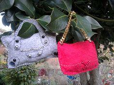 Decorazioni di Natale a forma di borse CULT in pannolenci. E dopo Natale diventano portachiavi