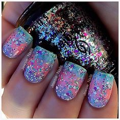 ILNP Paige - Berry Pink Holographic Nagellack - Cute Nails Club - - Nagelpflege-Routine-Nagelhautöl von Sparkly Birthday Nails her Trim Nail Care Products Get Nails, Fancy Nails, Love Nails, How To Do Nails, Hair And Nails, Pink Holographic Nails, Glitter Nails, Sparkly Nails, Nail Lacquer