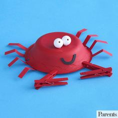 Feeling crabby? Perk up with this fun crab hat craft made from a paper bowl and clothespin claws!