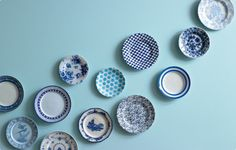 Top 5 paint shades as chosen by Dulux Design and Colour expert Rebecca Thompson. In at number one: Fire Cracker. Blue Color Schemes, Color Azul, Interior Inspiration, Design Inspiration, Paint Shades, Blue Plates, White Plates, Red Walls, Deco Design