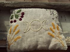 Heat pillow: Fill with rice or flax seed and you can heat or cool as needed. Would be perfect with some soothing herbs such as mint stuffed in there too.