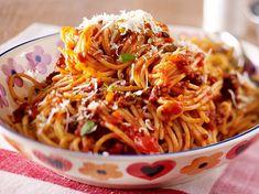 Unser beliebtes Rezept für Spaghetti bolognese und mehr als 55.000 weitere kostenlose Rezepte auf LECKER.de.