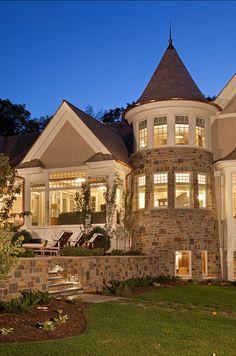 HomeBunch.com | Dream Family Home | Hamptons | 9,455 sf | 7 bed, 9 bath | 7.5 acres | Residential Design: Peter Eskuche, AIA | Builder: Hendel Homes | Interior Design:The Siting Room | Photographers: LandMark Photography by Jon Huelskamp