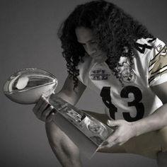 Troy Polamalu holding the Super Bowl XL Championship Trophy Pittsburgh Steelers Football, Pittsburgh Sports, Steeler Football, Football Fever, Here We Go Steelers, Steelers Stuff, Steelers Fans, Steelers Gear, Super Bowl Xl