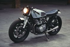 Here's the best-looking Kawasaki KZ650 we've seen for a long time, courtesy of the Paris-based workshop Clutch Customs.