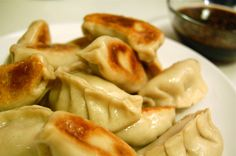 Potstickers, yummy and easy! Pork Recipes, Asian Recipes, Cooking Recipes, Recipies, I Love Food, Good Food, Yummy Food, Great Recipes, Favorite Recipes