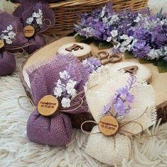 DIY Lavender Bath Bombs Ingredients: This recipe creates about 12 bath bombs. Wedding Gifts For Guests, Wedding Favors, Diy Wedding, Wedding Decorations, Wedding Souvenir, Nautical Wedding, Decor Wedding, Lavender Bags, Lavender Sachets