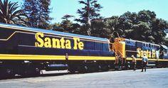 Santa Fe Alco RSD-15 Diesel Locomotive with 'slug'.