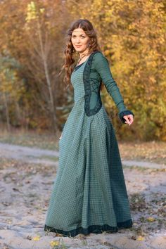 Autumn Princess Surcoat & Chaperone - Pearsons Renaissance Shoppe