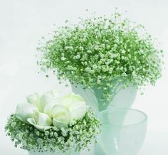 Wedding table detail | white roses and baby's breath #wedding #Fleria www.fleria.gr