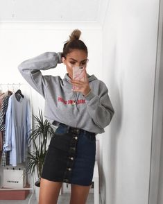 "452 Likes, 4 Comments - Alicia Roddy (@lissyroddyy) on Instagram: ""Loving two tone denim at the moment and definitely still in this hoodie phase - outfit all…"""