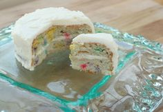 Keto Funfetti Cake!!! Omg this is the best things I've ever seen in my life.