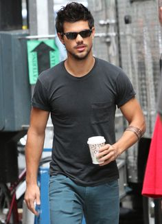 NBD: Just Taylor Lautner looking like a total hottie.