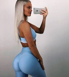 sexy blonde fitness model Filippa Fransson Lindqvist taking a selfie of her perfect ass in yoga pants Fit Women, Sexy Women, Corpo Sexy, Bas Sexy, Yoga Fitness, Gorgeous Women, Beautiful Beach, Yoga Pants, Body Motivation