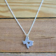 """I ❤️ Texas necklace Dainty Texas State Necklace. ITEM DETAILS ● Metal: Silver plated ● Chain: Link ● Lobster clasp ● Length Approx 17"""" (adjustable with approx 2 extra in) Lone star, I love Texas, I heart Texas, Texas love Jewelry Necklaces"""