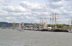 Les bateaux de l'Armada de Rouen sur la Seine.