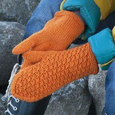 Fingerless Mittens, Knit Mittens, Knitted Gloves, Knitting Patterns Free, Free Knitting, Knitting Socks, Handicraft, Arm Warmers, Needlework