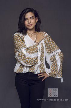 Ethnic Fashion, Womens Fashion, Still In Love, Points, Folk Art, Ruffle Blouse, Costumes, Boho, Amazing