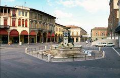 Piazza Martiri della Libertà e Fontana Monumentale