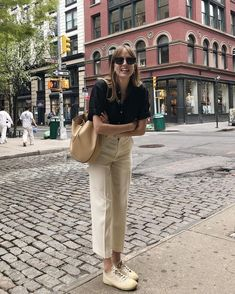 This happy about being in New York 🍎 (bag is gifted) Mode Outfits, Fashion Outfits, Fashion Quiz, 80s Fashion, Korean Fashion, Vintage Fashion, Fashion Tips, Looks Style, My Style