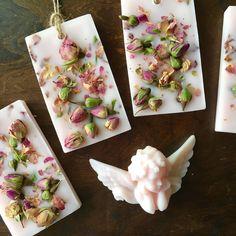 rose wax display